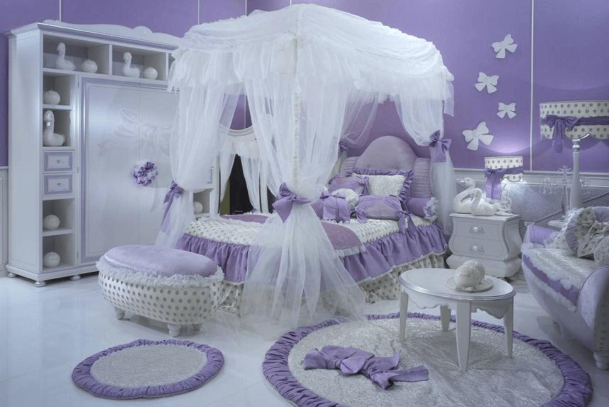 Кровать с балдахином в интерьере детской комнаты