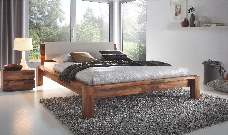 Фото двуспально кровати в спальной комнате