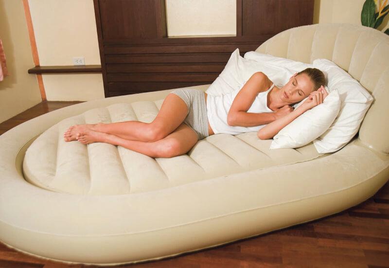 Овальная надувная кровать