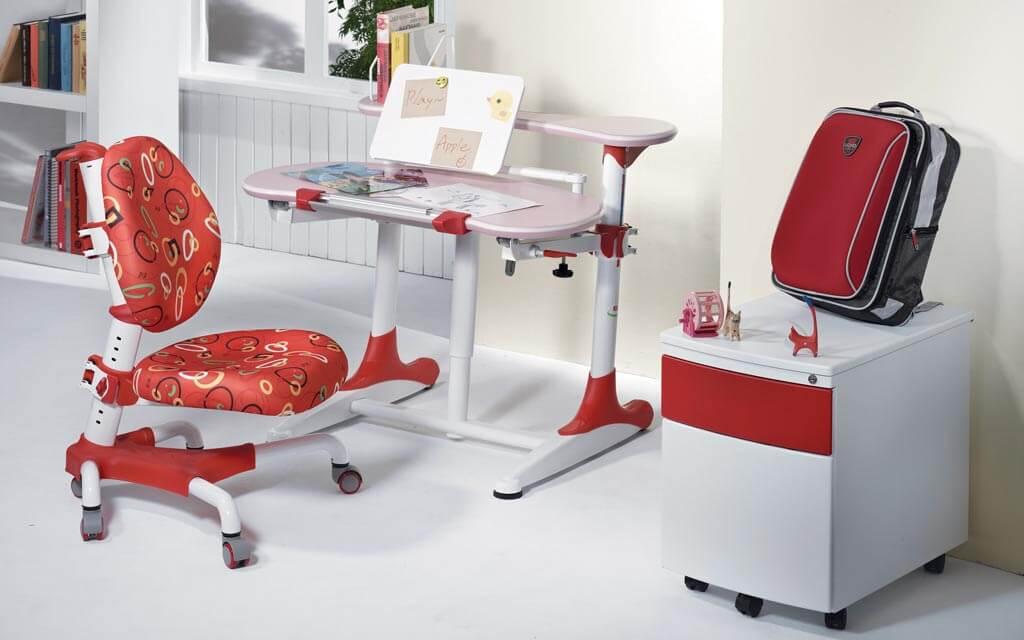 Регулируемое компьютерное кресло для ребенка