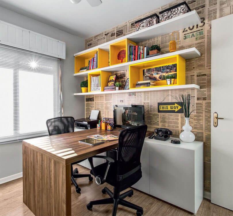 Операторское компьютерное кресло
