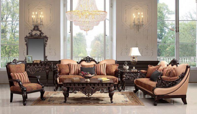 Гостиная с мягкими креслами в интерьере