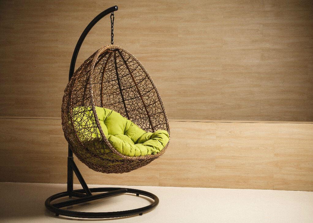 Фото подвесного плетеного кресла шара