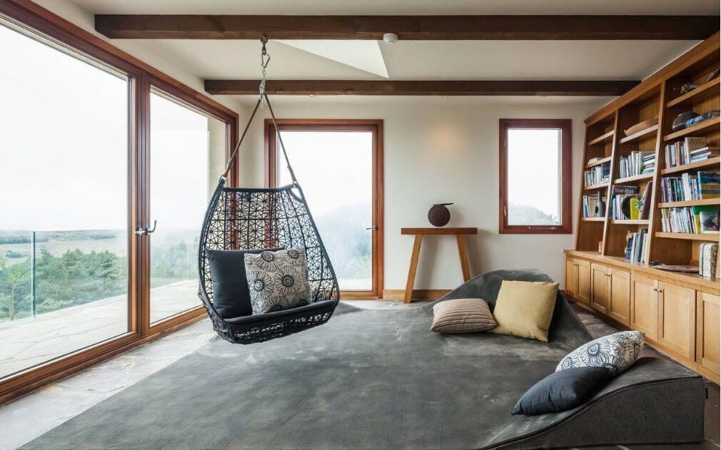 Фото подвесного кресла закрепленного к потолку