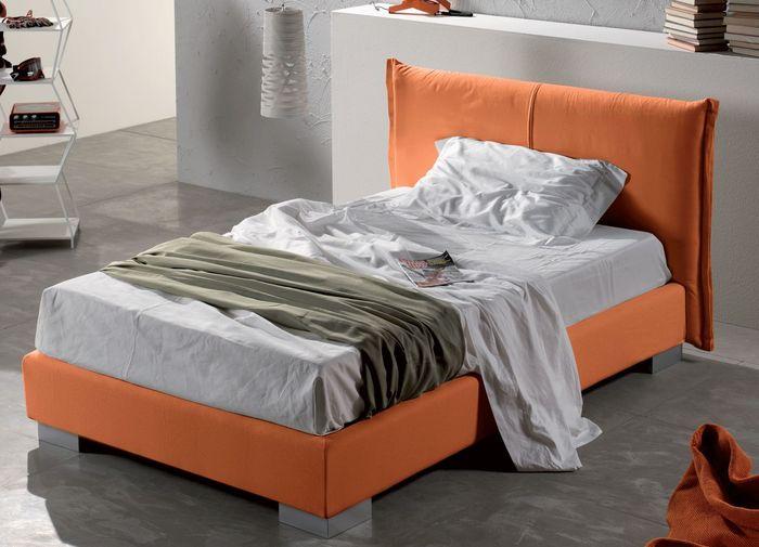 Фото кровати полутороспального размера