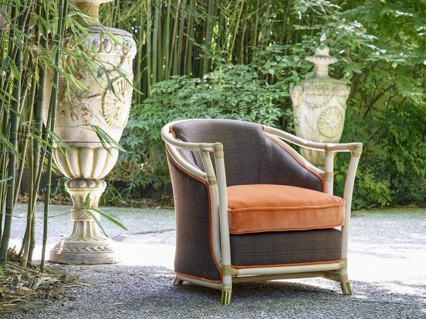 Фото уличного кресла для сада