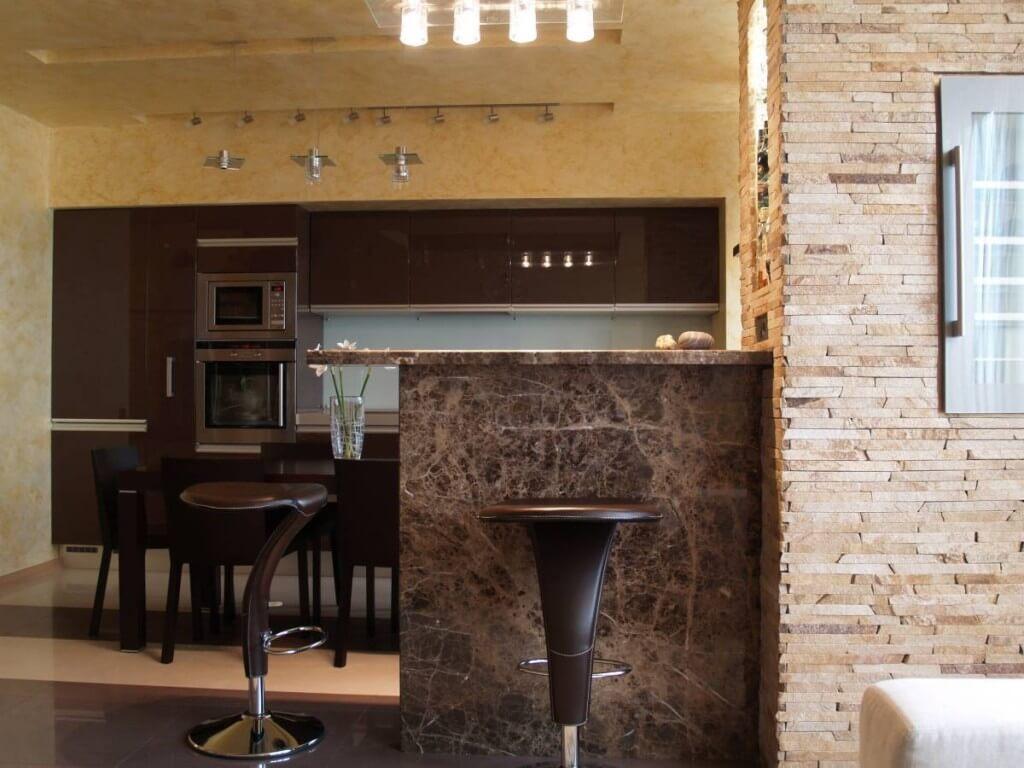 Табуреты для барной стойки с мягким сидением