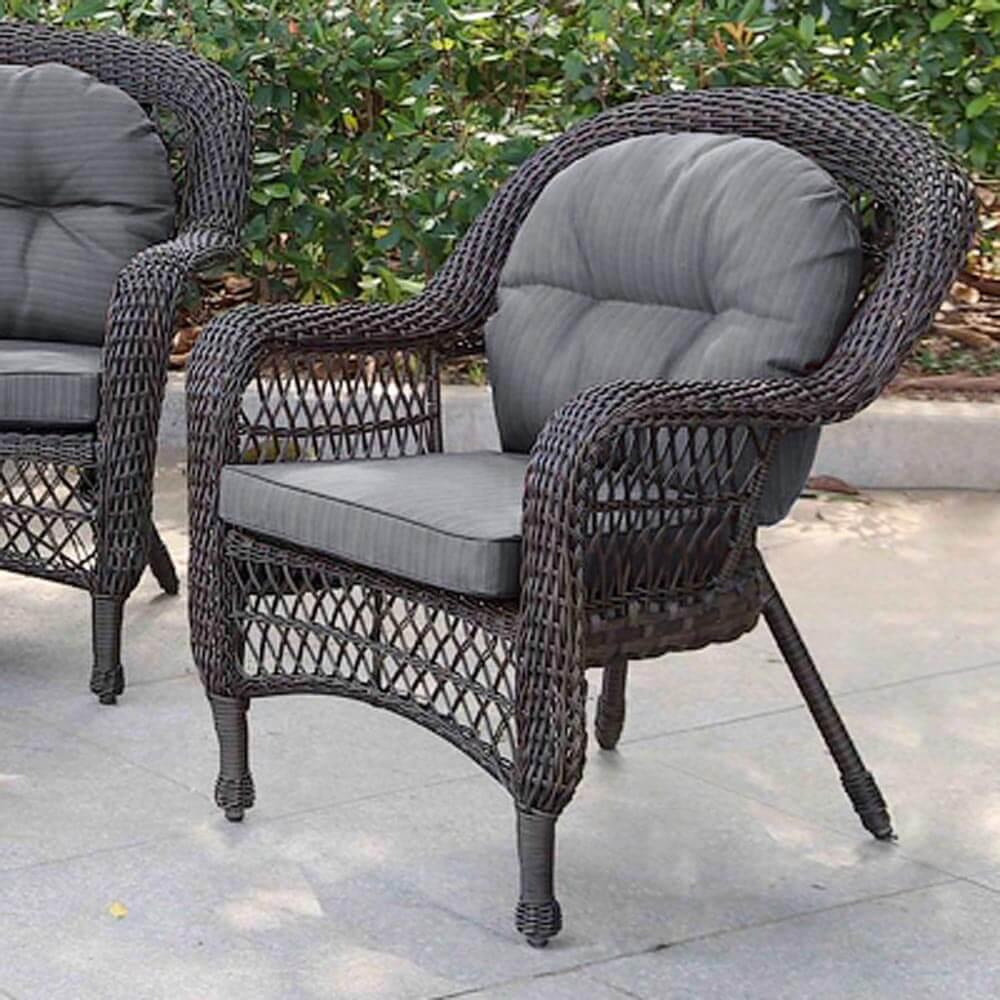 Фото плетеного уличного стула