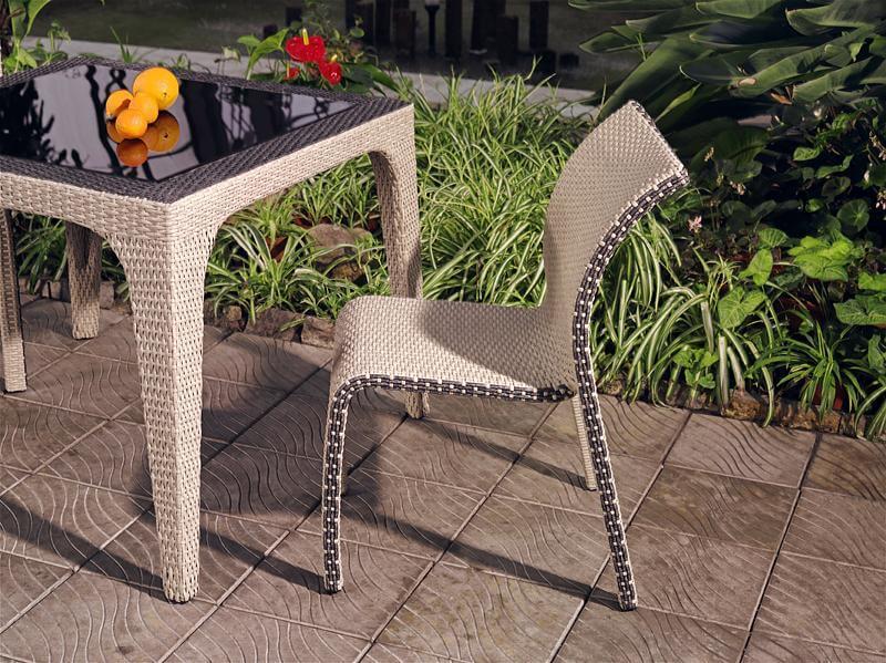 фото плетеного стула из ротанга