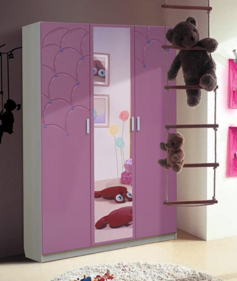 корпусный шкаф для одежды в детской